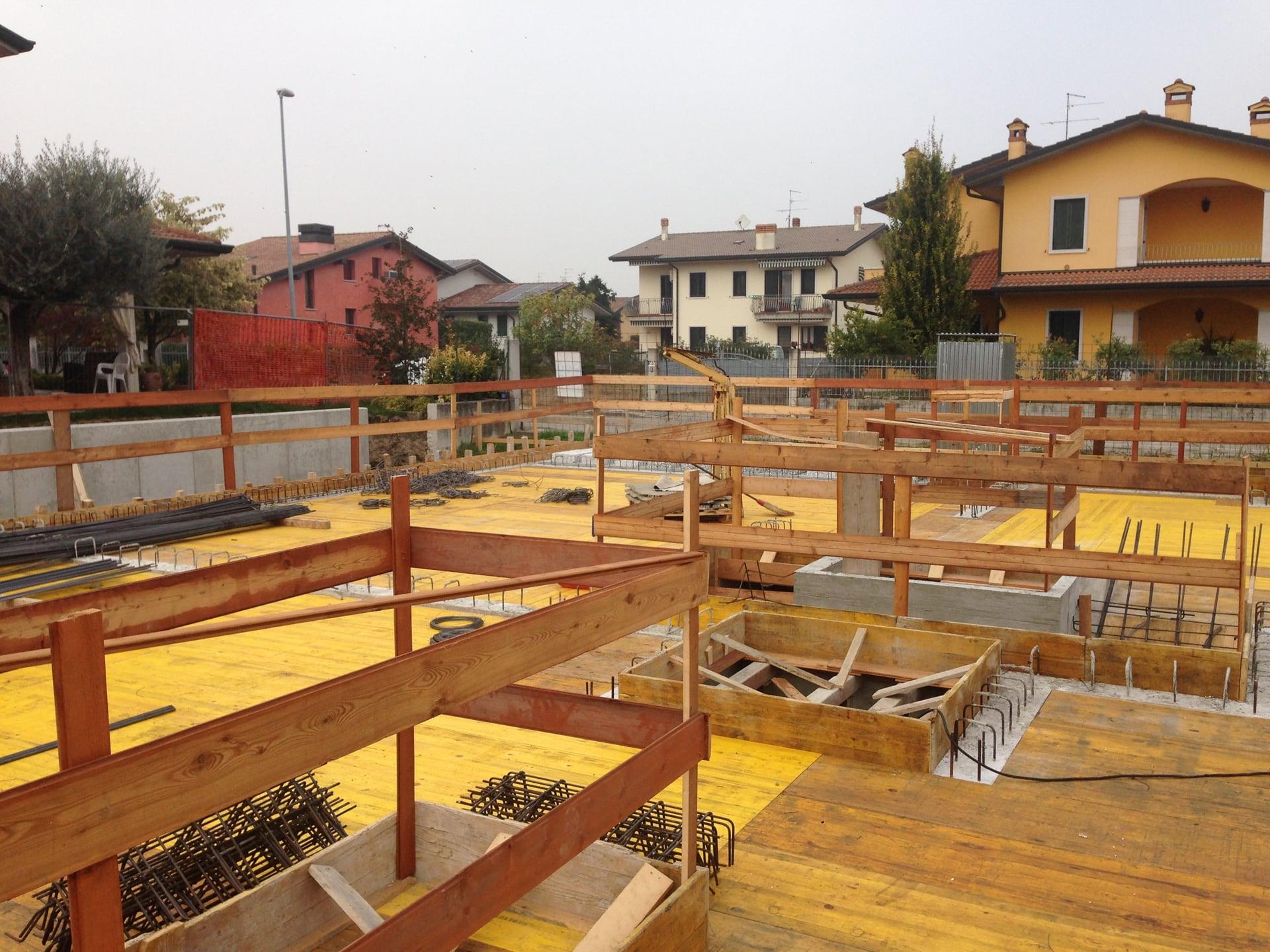 costruzione-bifamiliare-struttura-legno_09